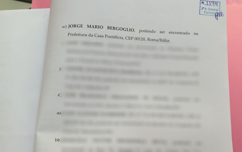 Nome do Papa Francisco, Jorge Mario Bergoglio, que aparece listado como testemunha de defesa (Foto: Reprodução)