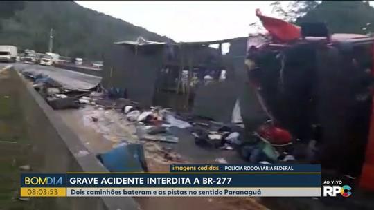 Caminhão carregado com lecitina de soja tomba na BR-277, em Morretes; duas vítimas tiveram ferimentos graves