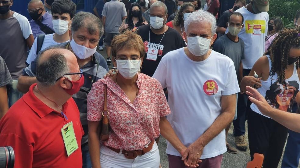 Marília Campos (PT) foi acompanhada por apoiadores — Foto: Carlos Eduardo Alvim/TV Globo