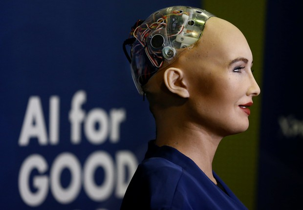 Robô Sophia no Global Summit em Geneva (Foto: Denis Balibouse/Reuters)