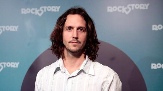 Vladimir Brichta recebe elogios de Adriana Esteves em lançamento de 'Rock Story': 'Ele é um paizão'