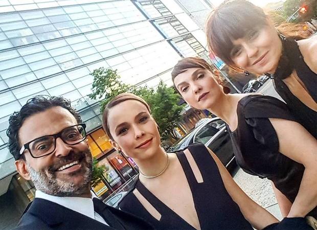 Roberto Monteiro, Débora Falabella, Cynthia Falabella e Vanessa Falabella (Foto: Reprodução/Instagram)