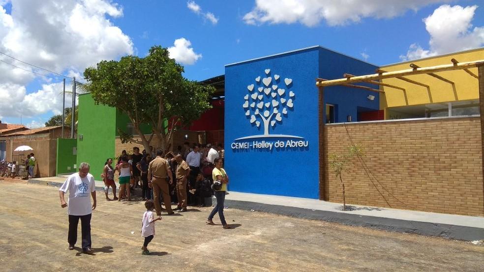 Escola deve ganhar nome da professora Helley de Abreu (Foto: Juliana Peixoto/G1)