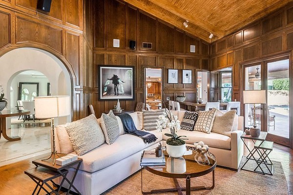 A mansão vendida pelo ex-casal composto pelo ator Chris Pratt e pela atriz Anna Faris (Foto: Divulgação)
