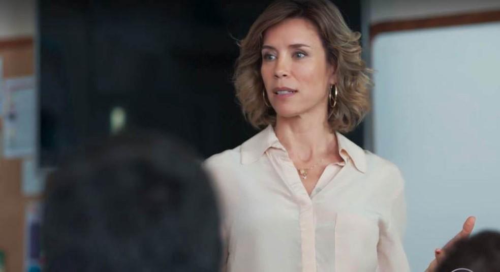 Malu (Daniela Galli) revolta os alunos com novas regras em 'Malhação - Viva a Diferença' — Foto: Globo