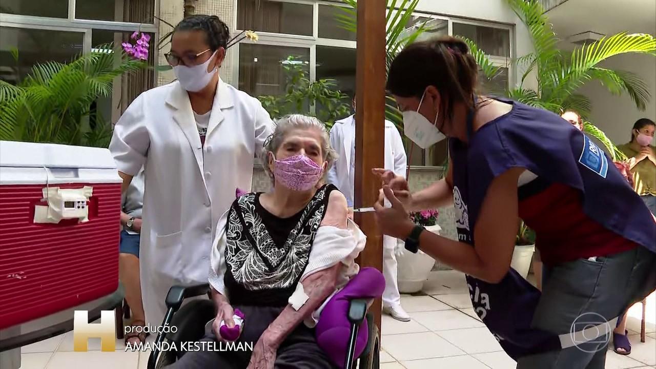 Vacina está em todos municípios do estado do Rio; Covid avança na capital