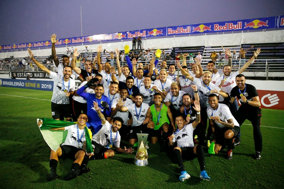 Bragantino campeão brasileiro da Série B — Foto: Ari Ferreira/CA Bragantino