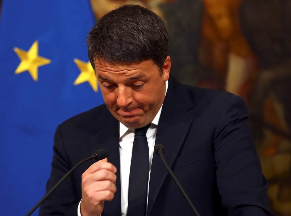 Premiê do país, Matteo Renzi, renunciou ao cargo após resultado das urna (Foto: Alessandro Bianchi/Reuters)