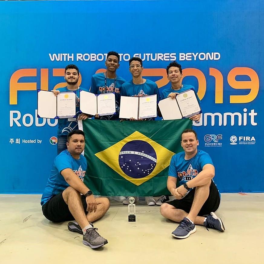 Estudantes do Maranhão conquistam medalhas em mundial de robôs na Coréia do Sul - Notícias - Plantão Diário