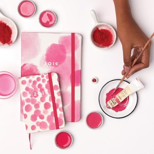 Conjuntinho rosa aquarelado da Cicero Papelaria (Foto: Instagram)