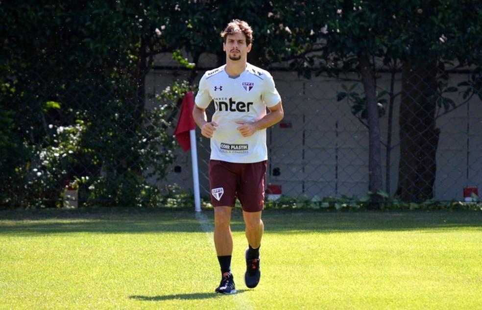 Rodrigo Caio treina no CT do São Paulo  (Foto: Érico Leonan / saopaulofc.net)