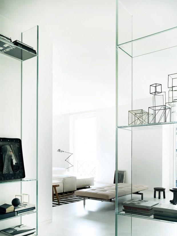 Décor do dia: sala de estar com mobiliário de vidro (Foto: Divulgação)
