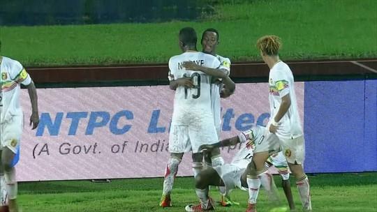 """Mali conta com """"ajuda"""" do goleiro de Gana, vence e está na semifinal"""