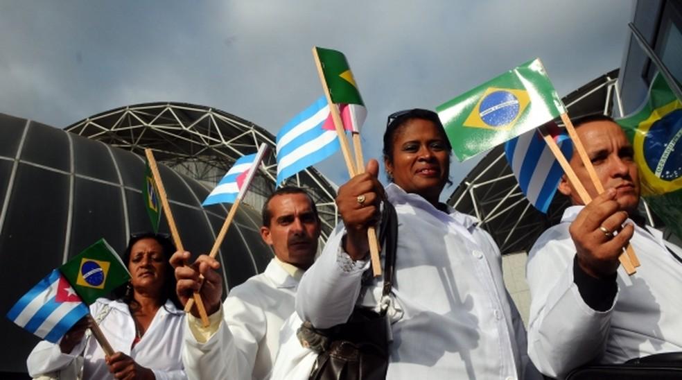 Saída de médicos cubanos expõe desigualdade na saúde do Brasil ...