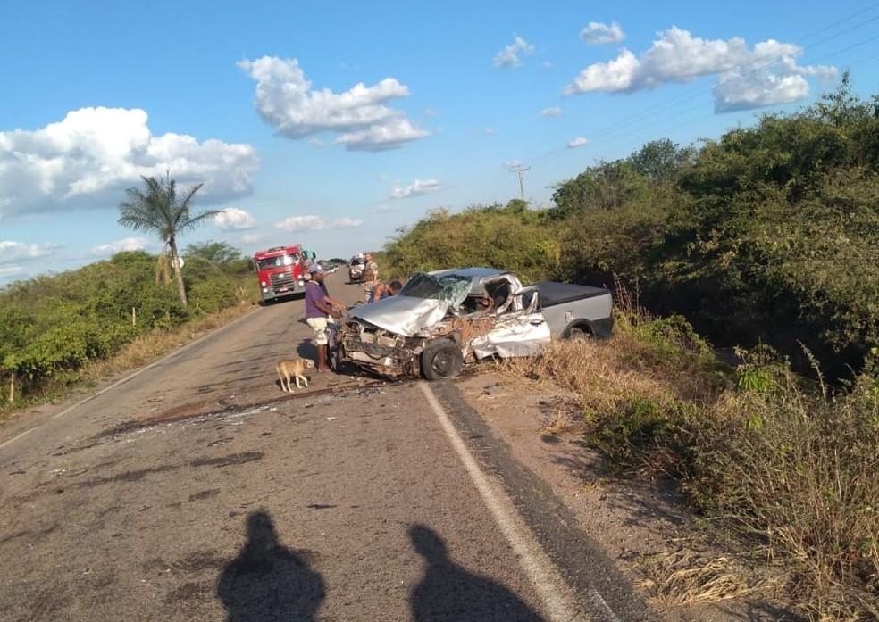 Empresário bate carro em carreta e morre em Exu — Foto: Divulgação/Polícia Civil