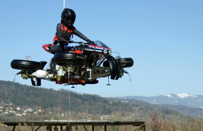 Resultado de imagem para moto voadora da Lazareth LMV496