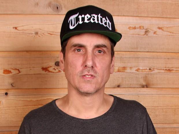 Mike Dean (Foto: reprodução)
