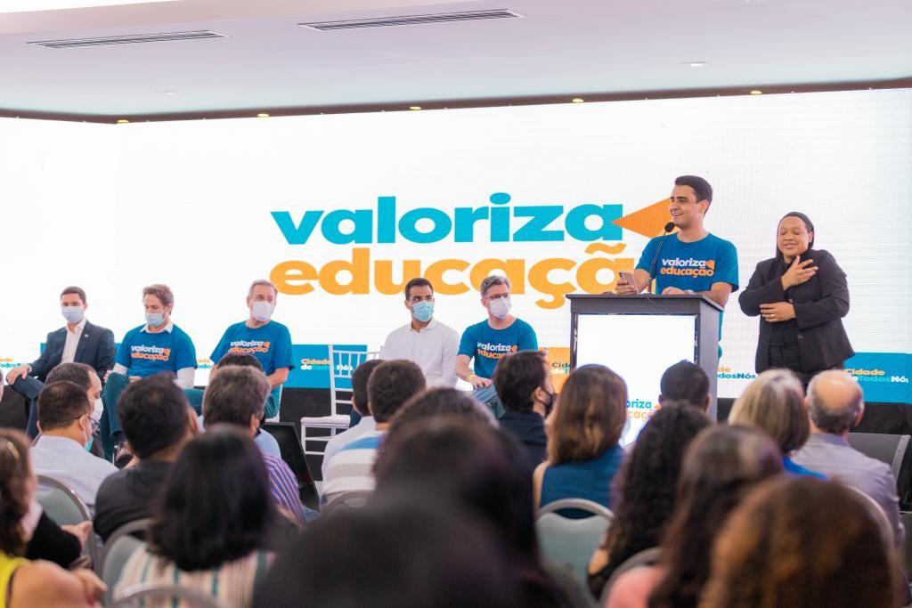 Maceió abre 576 vagas em processo seletivo para educação; veja os cargos