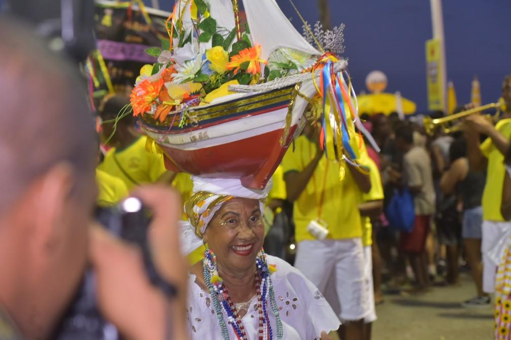 Dona Rita da Barquinho marcou presença no Pré-carnaval de Salvador 'Fuzuê' — Foto: Enaldo Pinto/Ag. Haack