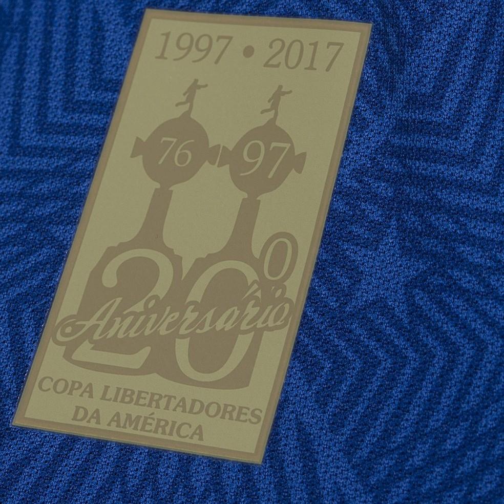 899011838a861 ... Cruzeiro vai homenagear os 20 anos da conquista da Libertadores na nova  camisa — Foto