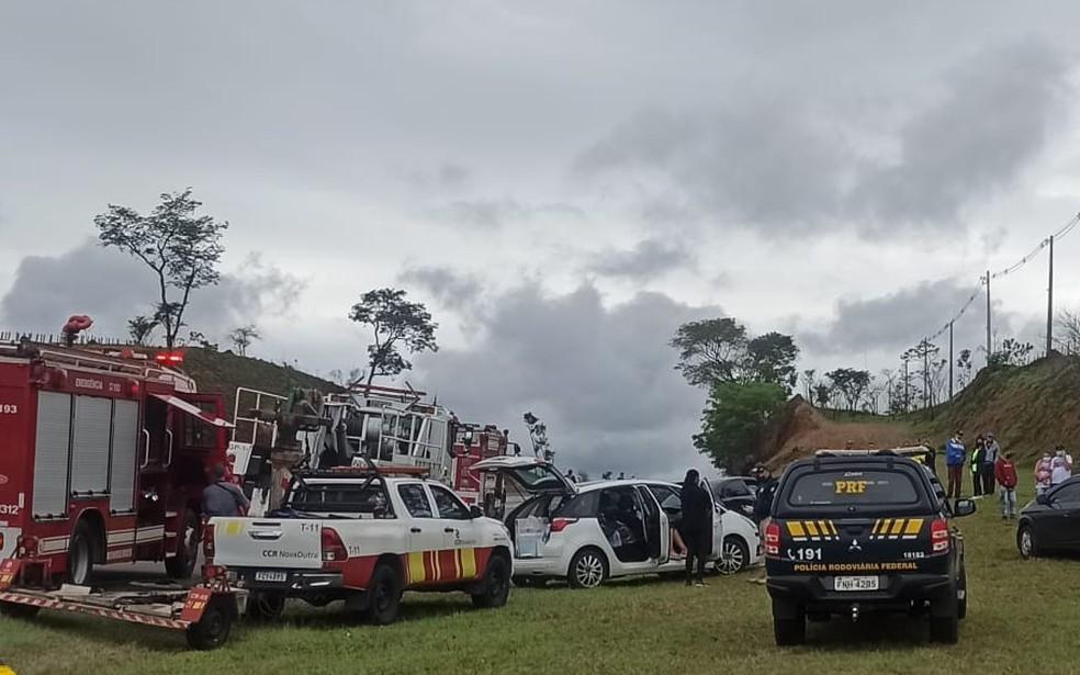 Romeiro ciclista morre atropelado e ao menos outros quatro ficam feridos na Dutra, em Pindamonhangaba — Foto: Divulgação/ Corpo de Bombeiros