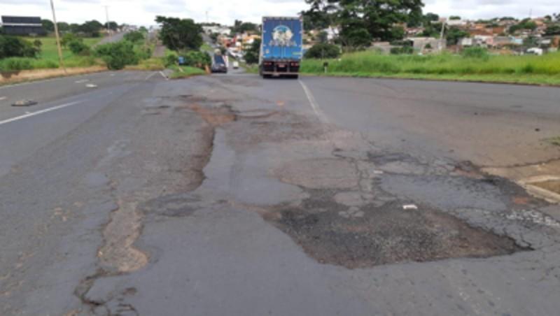 Prefeitura de Uberaba e Dnit acatam recomendação do MPF para melhorar condições de tráfego em desvios na BR-050