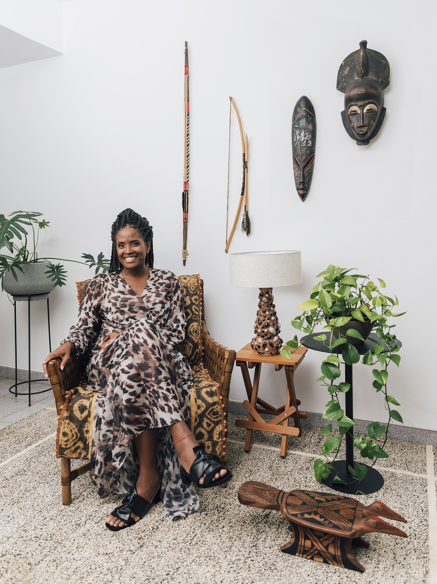 Identidade e história decoram apartamento da filósofa Djamila Ribeiro (Foto: Caroline Lima)
