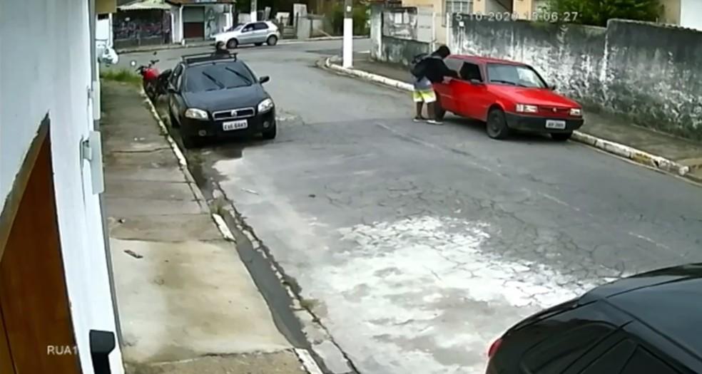 Operação do MP apura envolvimento de policiais civis por suspeita de roubo com viatura em Guaratinguetá — Foto: Arquivo Pessoal