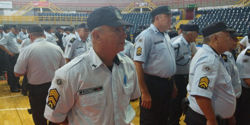 Sargento Carlos Lionel acredita que pode ajudar no combate ao crime no retorno ao policiamento ostensivo — Foto: João Pedro Ribeiro/TVM