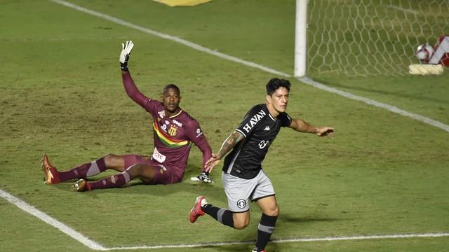 Comemoração do gol de Cano, Vasco x Sampaio Corrêa