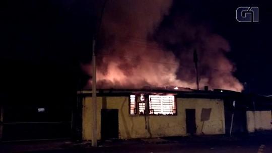Incêndio atinge padaria em Cachoeirinha