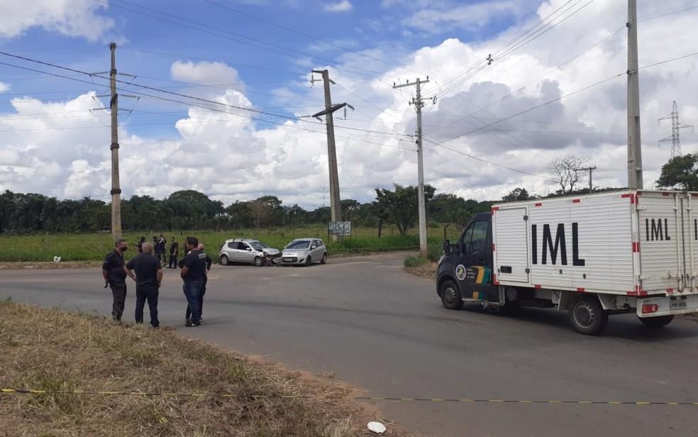 Vigilante penitenciário e esposa são mortos na saída do Complexo Prisional, em Aparecida de Goiânia, Goiás — Foto: Naiara Santos/TV Anhanguera