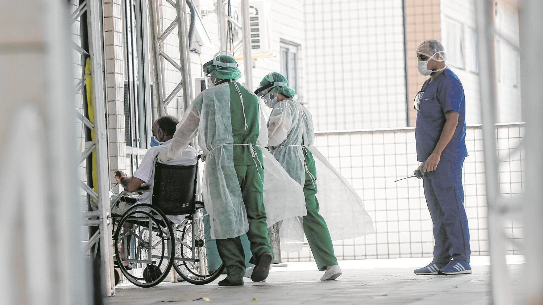 Atendimento de pacientes com coronavírus nas UPAs da rede estadual é o maior desde agosto em Fortaleza