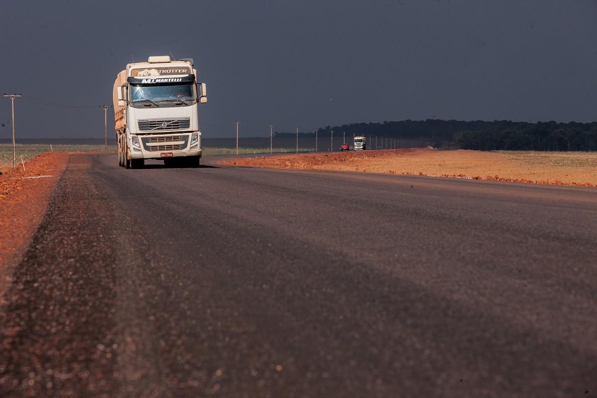 Resultado de imagem para Caminhoneiros são os que mais morrem por acidentes de trânsito no trabalho em MT, diz pesquisa