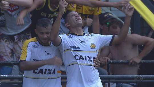 """Lúcio Flávio vê ansiedade atrapalhar o JEC em campo: """"Escolhas diferentes"""""""