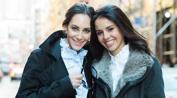 Trina Spear e Heather Hasson: elas levaram estilo para as roupas cirúrgicas  (Foto: Divulgação )