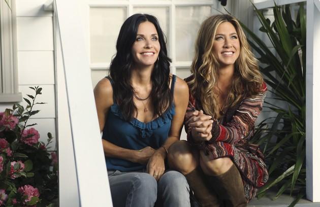 As beldades de 'Friends' Courteney Cox e Jennifer Aniston se reencontraram nas gravações de 'Cougar town', série estrelada pela atriz que deu vida a Monica (Foto: Divulgação)
