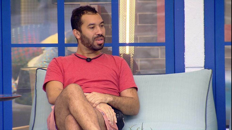 Gilberto desabafa sobre situação com brother no BBB21: 'Eu fiquei arrasado' — Foto: Globo