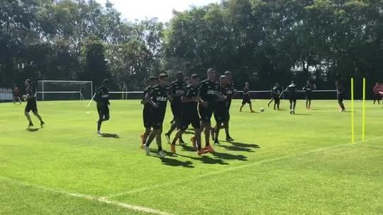 Força máxima e mistério: São Paulo treina de olho no jogo contra o Paraná
