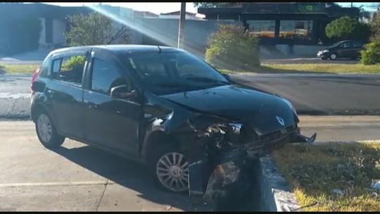 Motorista de carro desgovernado colide com dois veículos parados em posto de combustível em Ribeirão Preto, SP