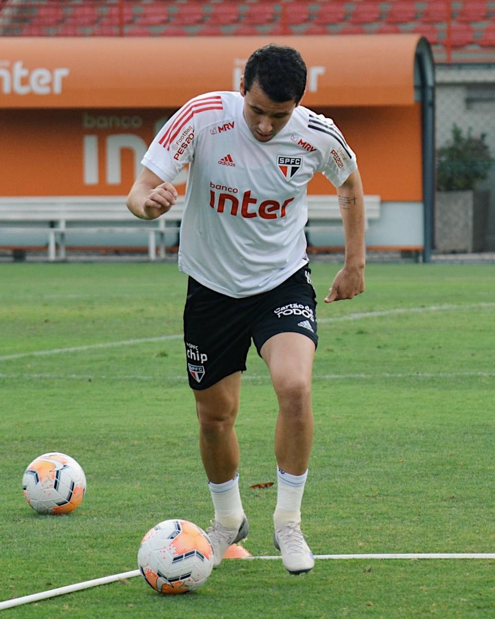 Pablo treinou nesta quarta-feira no São Paulo — Foto: Erico Leonan / saopaulofc.net