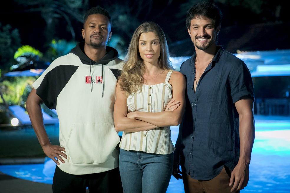 Personagens de David Junior, Grazi Massafera e Romulo Estrela vivem triângulo amoroso — Foto: Raquel Cunha/Globo