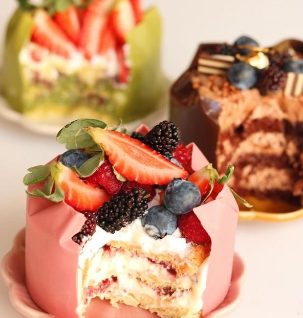 Os mini bolos são a aposta da Hanami Confeitaria para um doce Dia dos Namorados (Foto: Reprodução/Instagram)