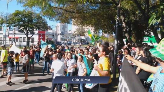 Manifestações em apoio à greve dos caminhoneiros são registradas em cidades de SC