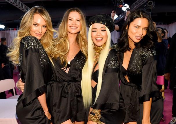 Candice Swanepoel, Behati Prinsloo, Rita Ora e Adriana Lima  (Foto: Getty Images)