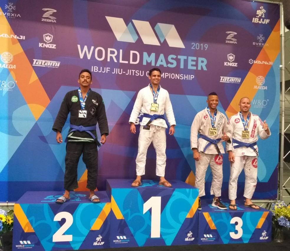 Adriano Victor é vice-campeão em Mundial de Jiu-Jitsu, em