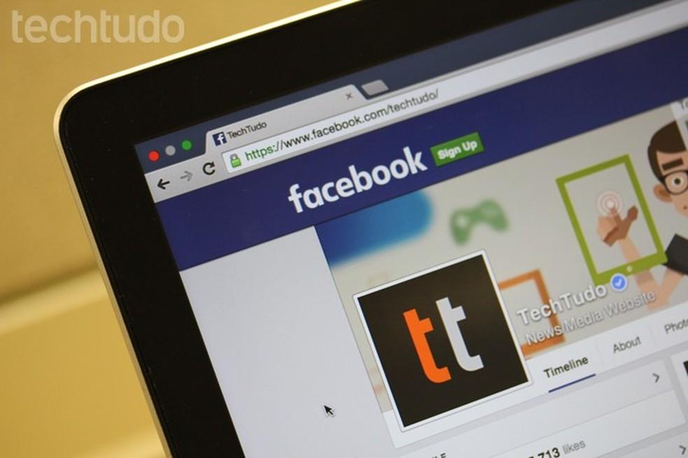 Tutorial mostra como adicionar uma biografia provisória em seu perfil no Facebook (Foto: Melissa Cruz/TechTudo)