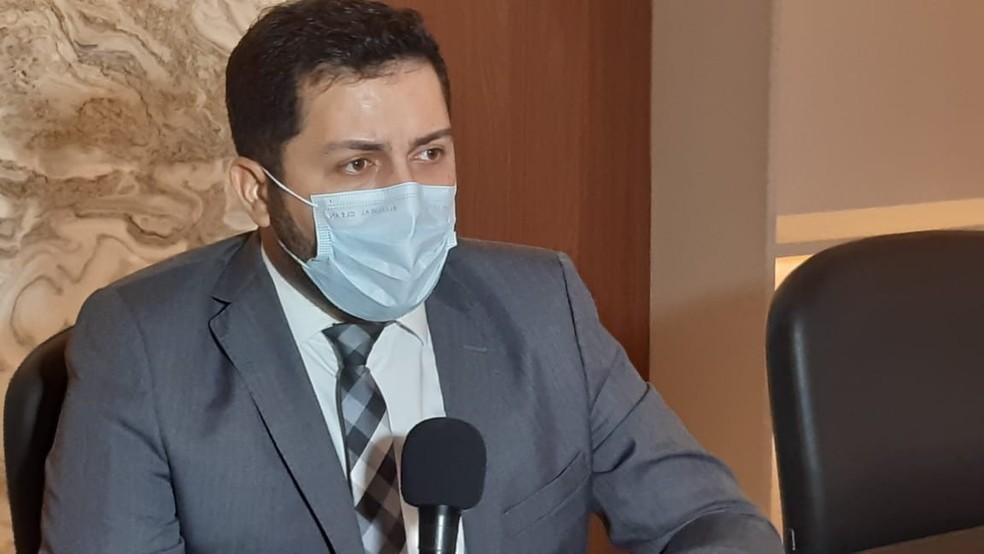 Advogado de defesa do condutor de 61 anos, Thyago Amorim — Foto: Samuel Florêncio/Inter TV Cabugi