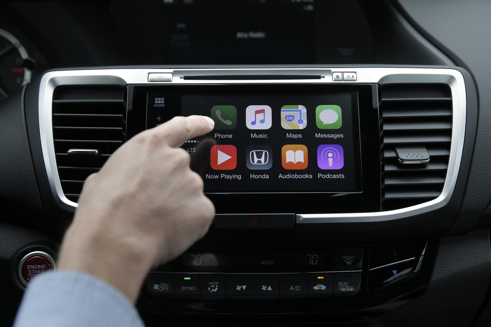 Apple CarPlay — Foto: AP Photo/Jae C. Hong
