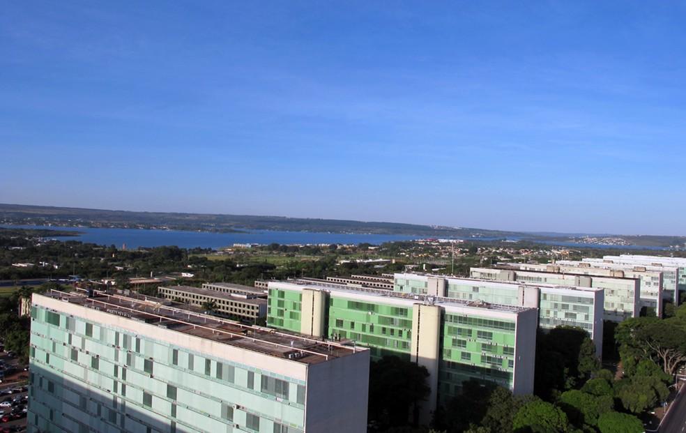Vista do lado norte da Esplanada dos Ministérios, em Brasília — Foto: Jamila Tavares / G1